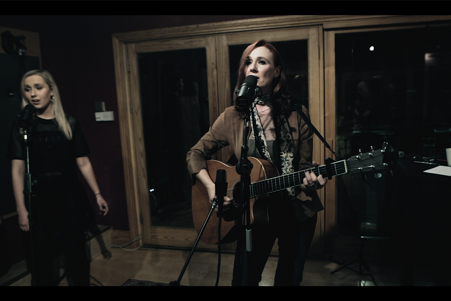 Ciara Sidine Releases Live Video and Invites In A Little Chaos