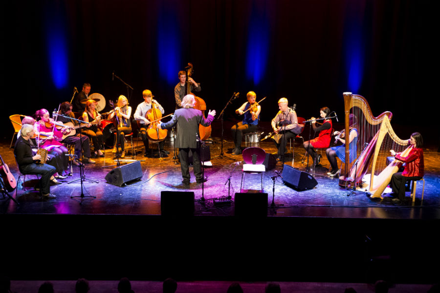Máirtín O'Connor goes Outside the Box with Dave Flynn's Irish Memory Orchestra
