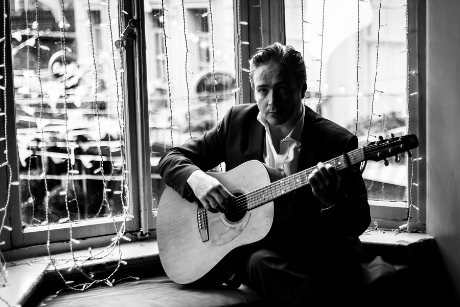 John McGlynn to Releases His Second Album 'Fragments'