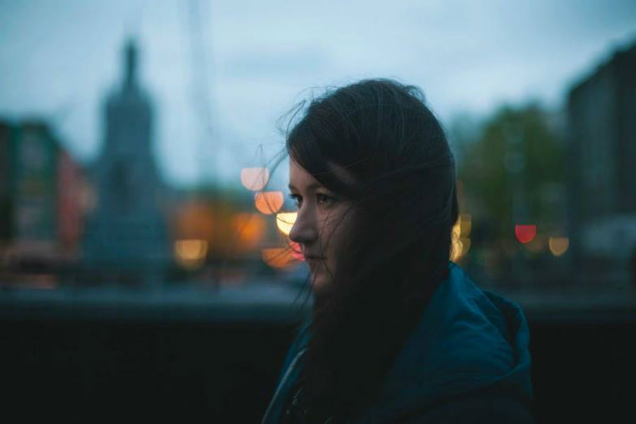 Míde Houlihan Releases 'Shifting Gears'