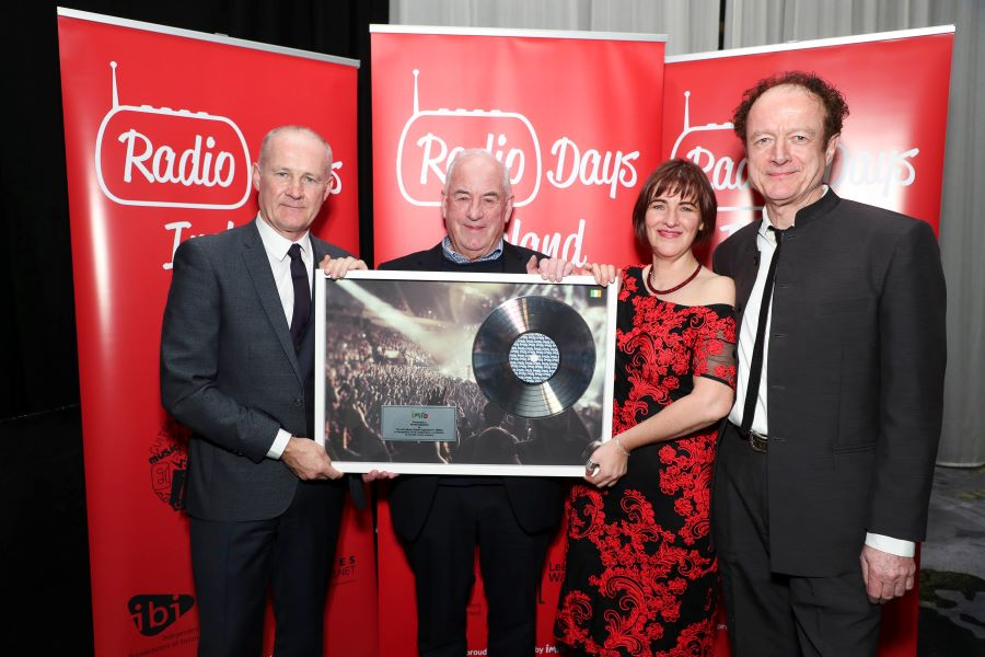 Peter Bardon Receives Award for Outstanding Contribution to the Irish Music Industry