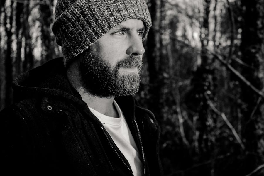 Mick Flannery Hosts 'Mini Gigs at Mick's'