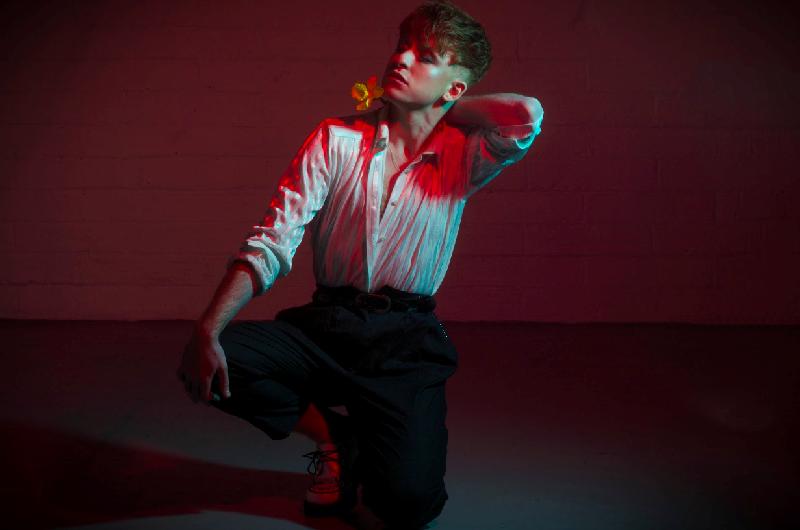 Irish glam-pop artist Jack Rua is celebrating bi-curiousity on his bombastic new single, 'Curious'