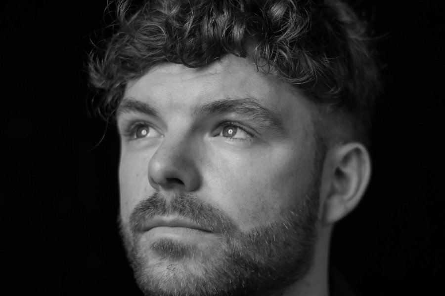 Faraway Martin Releases 'The Lights Turn On'