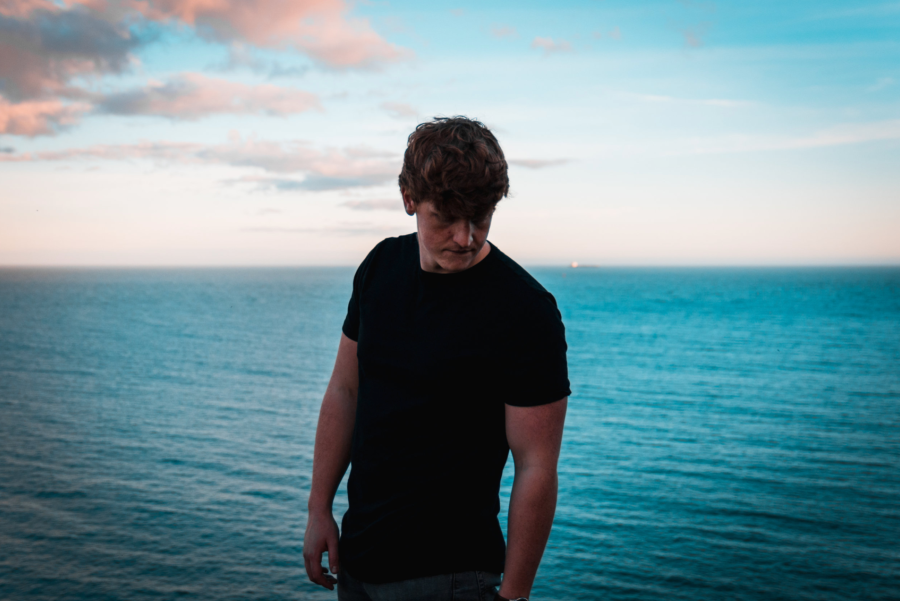 Emmo Releases Debut Single