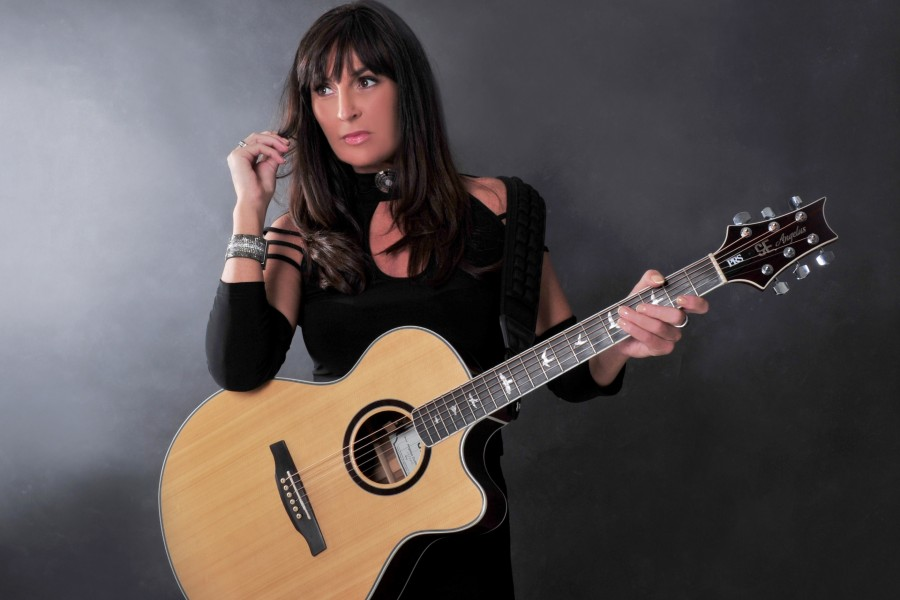 Acclaimed Singer Songwriter Jacqui Sharkey Has Released Her New EP 'Home'