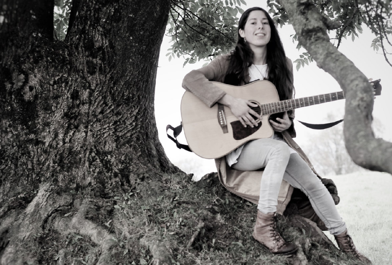 Laura Ní Carthaigh Releases 'Music of the Land', a Folk Music Film