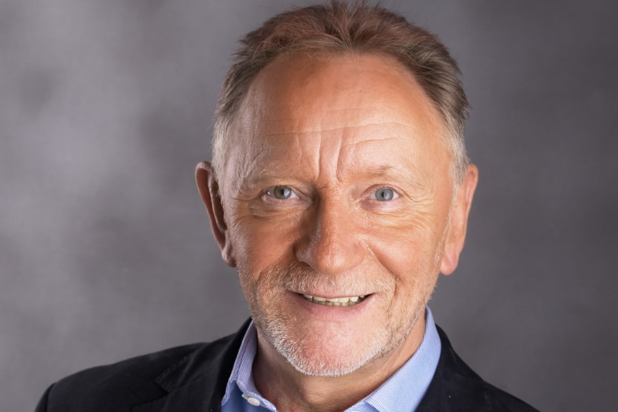 Phil Coulter Announces 'Up Close and Personal' Intimate Concerts and Live Stream