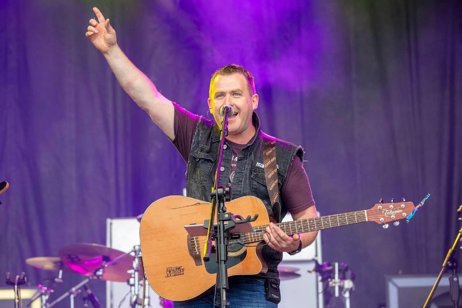 Marty Mone Debuts His Latest Single 'The Day The World Shut Down'