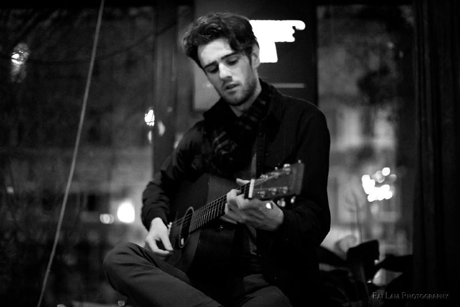 Irish Troubadour Seán Finn Releases Single 'Mexican Beauty in Red'