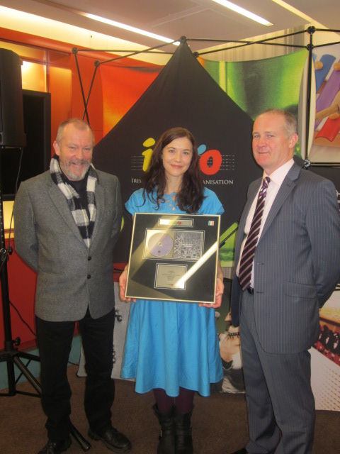 IMRO Presents Lisa Hannigan With Number 1 Award
